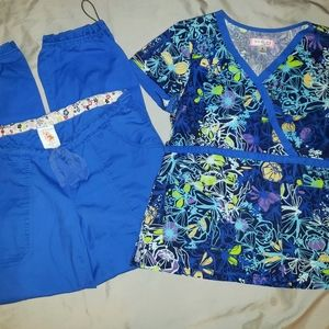 Koi Scrub Set in Blues size Medium